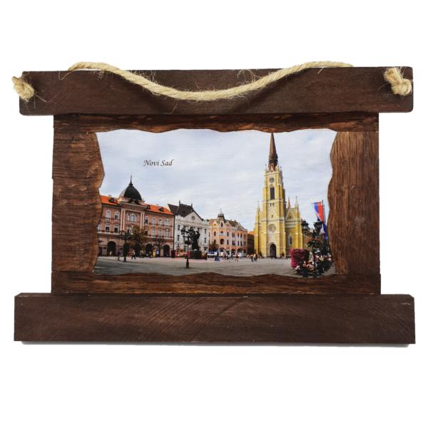 Slika Novi Sad Katedrala,tamni drveni ram, slika Katedrale Novog Sada u ramu-1